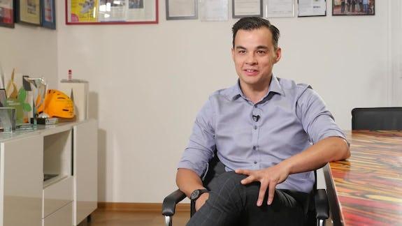 Dominik Wang